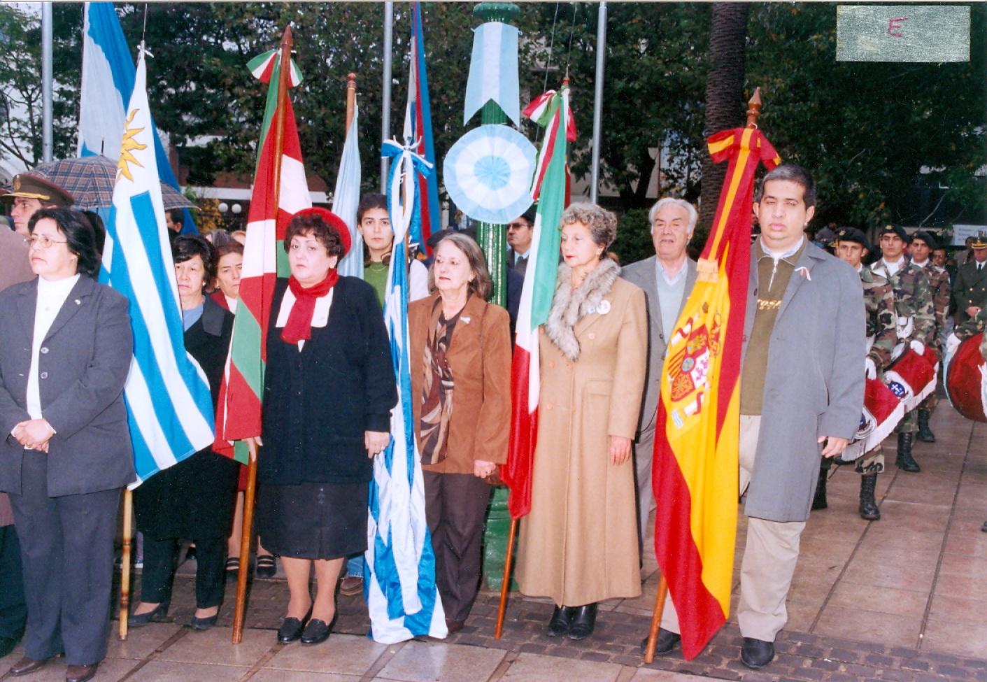 1999 primeras participaciones del centro vasco en la fiesta del inmigrante
